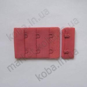 Застежка для бюстгальтера красного цвета с коралловым оттенком