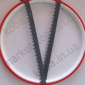 Тесьма резинка серого цвета с кружевной окантовкой